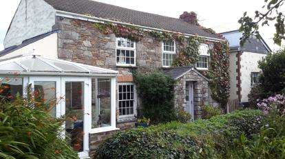 3 Bedrooms Detached House for sale in Redruth, Cornwall