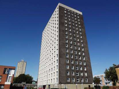 2 Bedrooms Flat for sale in Warwick Crescent, Southsea, Hampshire