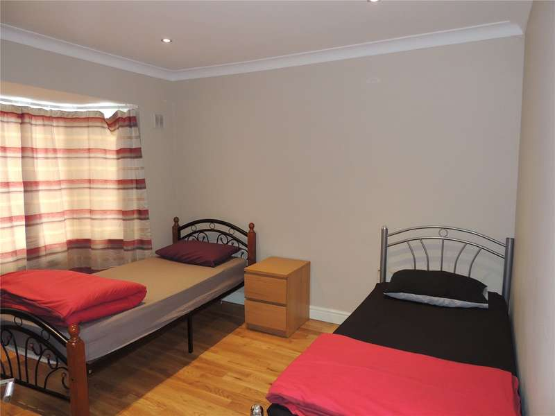 2 Bedrooms Maisonette Flat for sale in Prince of Wales Road, Sutton