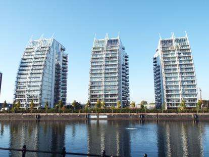 2 Bedrooms Flat for sale in N V Building, Salford, Greater Manchester
