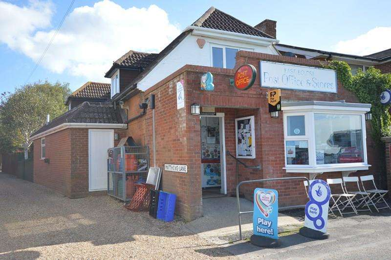4 Bedrooms Convenience Store Commercial for sale in Main Road, East Boldre
