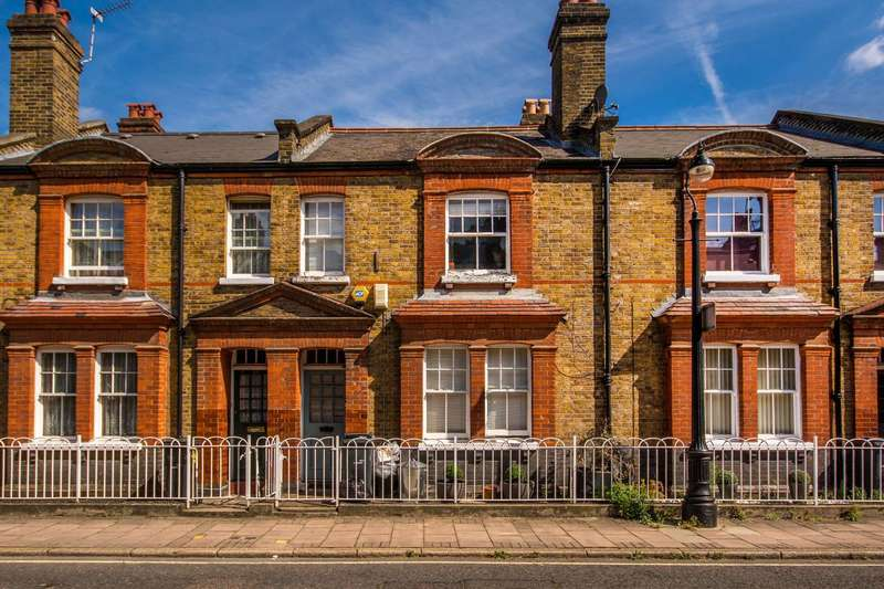 2 Bedrooms Flat for sale in Courtenay Street, Vauxhall, SE11