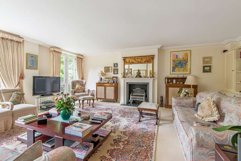 3 Bedrooms Flat for sale in Kidderpore Avenue, Hampstead