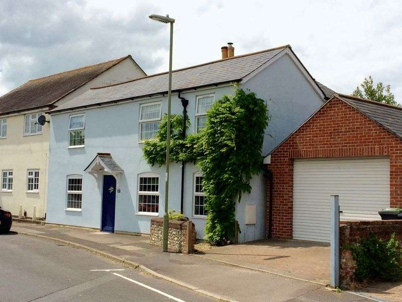 3 Bedrooms Detached House for sale in Bridge Road, Emsworth