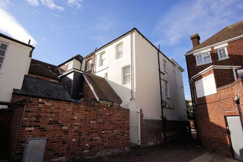 1 Bedroom Flat for sale in High Street, Gosport