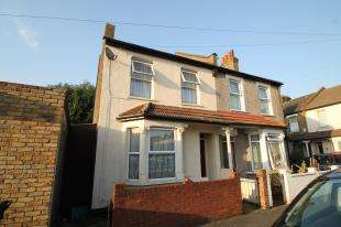 3 Bedrooms Semi Detached House for sale in Broadway Avenue, Croydon