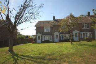 2 Bedrooms End Of Terrace House for sale in Senlac Green, Uckfield, East Sussex