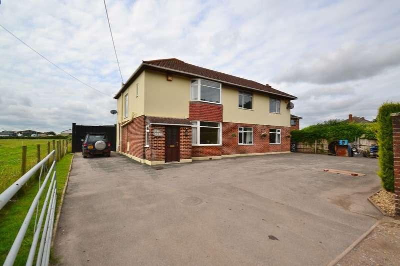 4 Bedrooms Detached House for sale in Throop Village