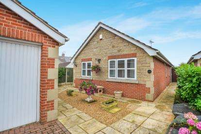 2 Bedrooms Bungalow for sale in Skegby Road, Sutton-In-Ashfield