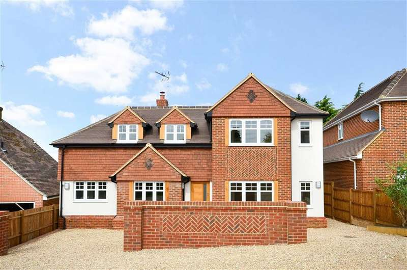 4 Bedrooms Property for sale in Larkfield Road, Farnham