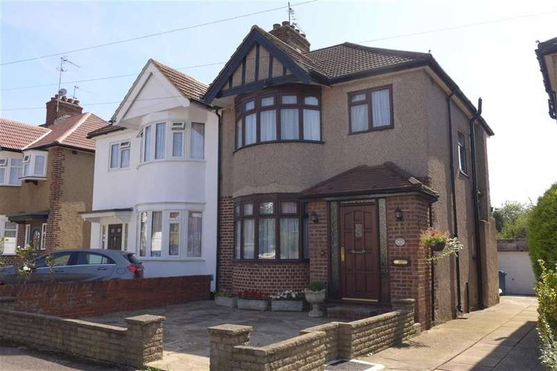 3 Bedrooms Property for sale in Pembroke Avenue, Harrow, Middlesex