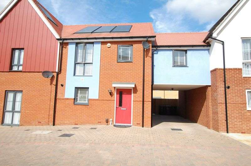 4 Bedrooms Semi Detached House for sale in Woodside, Grays.