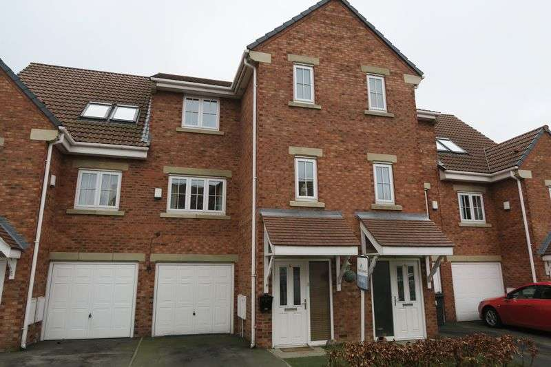 4 Bedrooms House for sale in Parkfield Court, Morley, Leeds