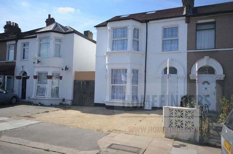 4 Bedrooms Semi Detached House for sale in Lansdowne Road, Seven Kings, IG3