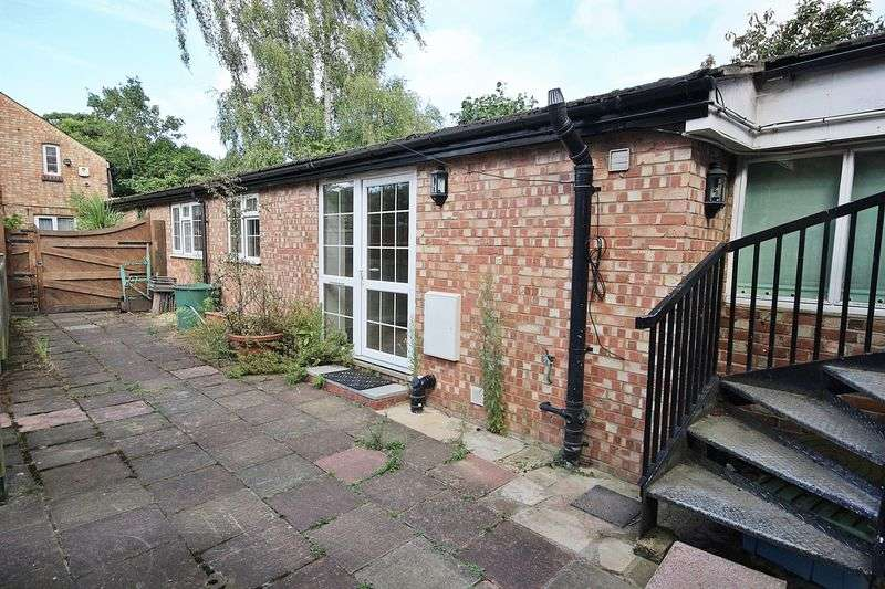 2 Bedrooms Flat for sale in Dunstable Street, Ampthill