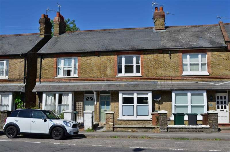 3 Bedrooms Property for sale in Park Road, Rickmansworth, Hertfordshire, WD3
