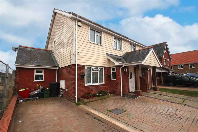 4 Bedrooms Semi Detached House for sale in Springfield Meadows, Little Clacton