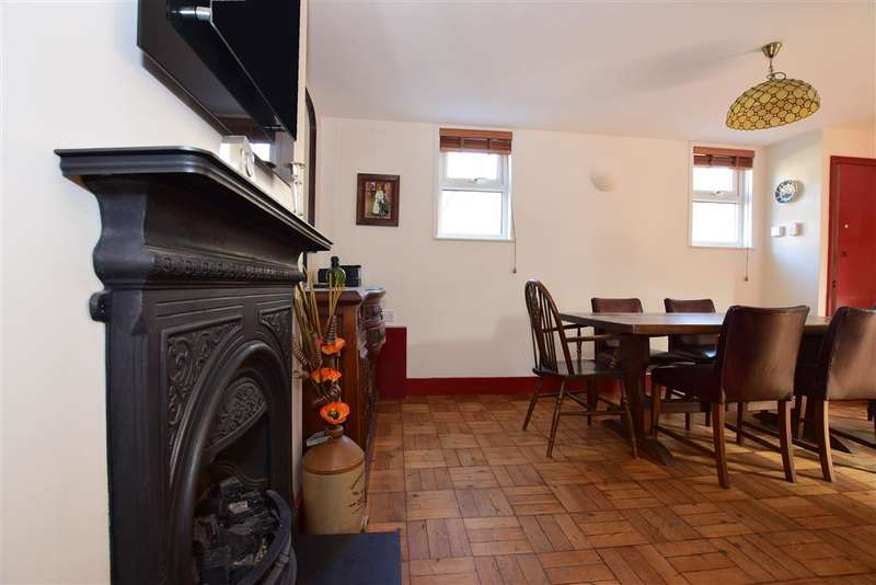 3 Bedrooms Detached House for sale in Percy Road, Ramsgate, Kent