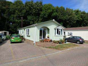 3 Bedrooms Bungalow for sale in Millers Way, Pilgrims Retreat, Harrietsham, Maidstone