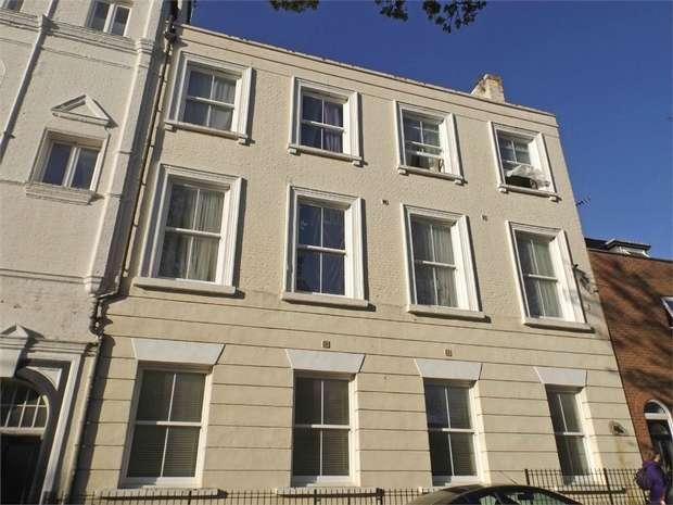 2 Bedrooms Flat for sale in 7 Pleasant Row, Gillingham, Kent
