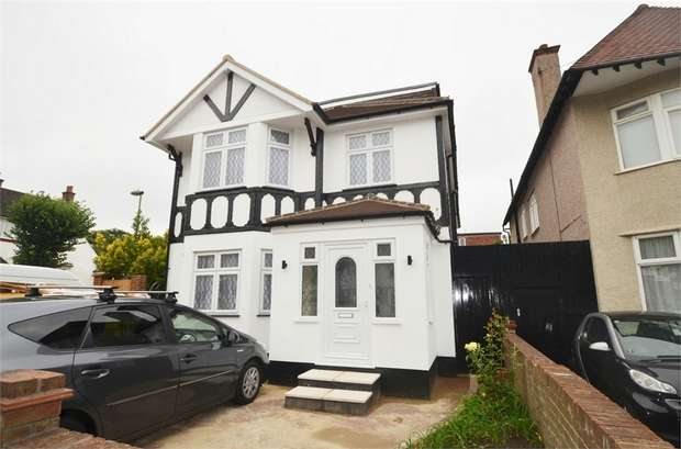 5 Bedrooms Detached House for rent in Millway, Mill Hill