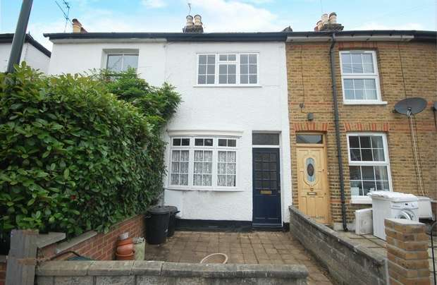 2 Bedrooms Terraced House for sale in Myrtle Road, Hampton Hill