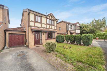 House for sale in Ravenfield Drive, Widnes, Cheshire, WA8