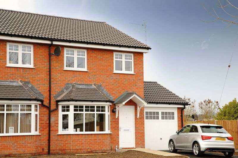 3 Bedrooms Semi Detached House for sale in Weston Road, Morda