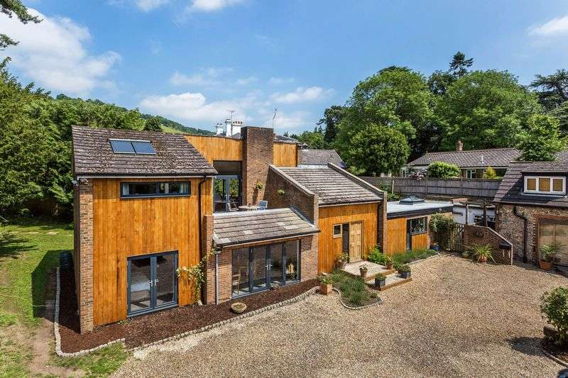 7 Bedrooms Detached House for sale in Pixham Lane, Dorking