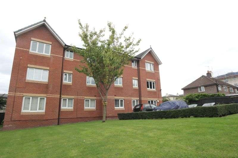 2 Bedrooms Flat for sale in Clifton Road, Birkenhead, Wirral