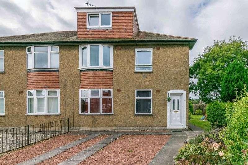 3 Bedrooms Flat for sale in 15 Colinton Mains Loan, Colinton Mains, Edinburgh, EH13 9AJ