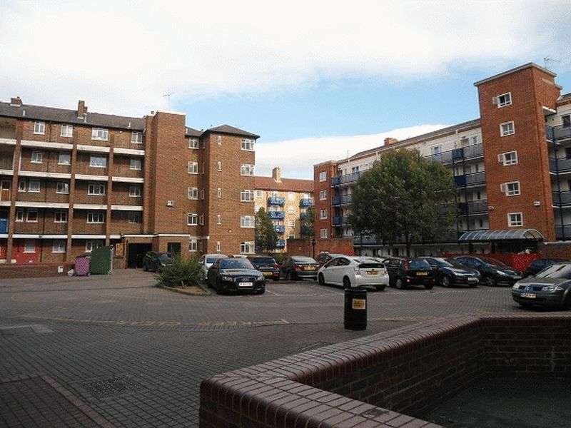 3 Bedrooms Flat for sale in Three Colt Street, London