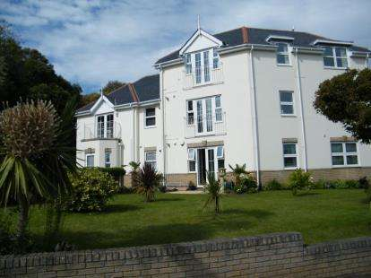 2 Bedrooms Flat for sale in 2 Warren Edge Road, Bournemouth, Dorset