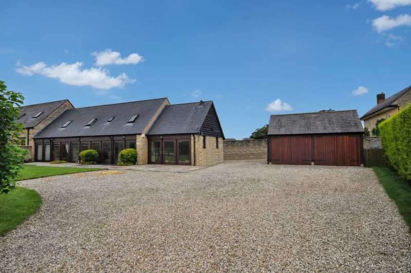 3 Bedrooms Barn Conversion Character Property for sale in Mount Pleasant Farm, Buckland