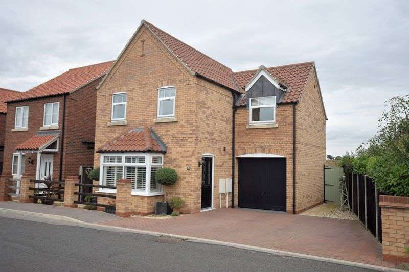 3 Bedrooms Detached House for sale in Fen Road, Heighington, Lincoln