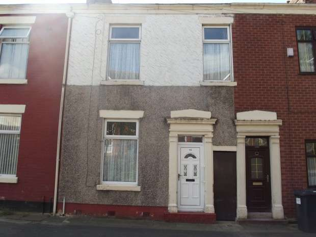 2 Bedrooms Terraced House for sale in St. Thomas Road, Preston, PR1