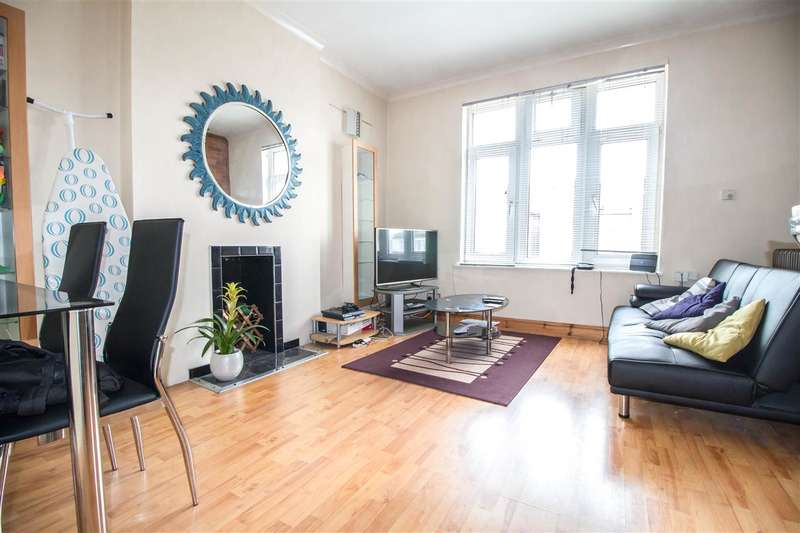 2 Bedrooms Apartment Flat for sale in Queens Road, Wimbledon