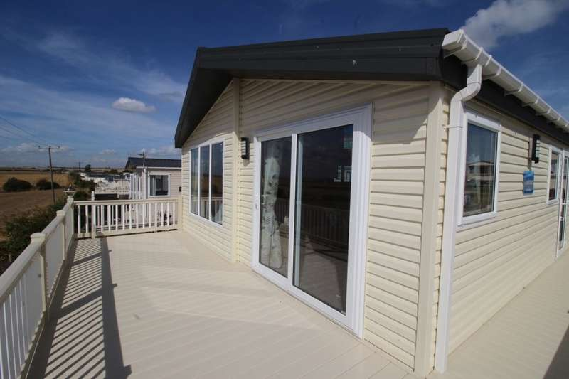 2 Bedrooms Bungalow for sale in Willerby Candence Leysdown Road, Leysdown-On-Sea, Sheerness, ME12