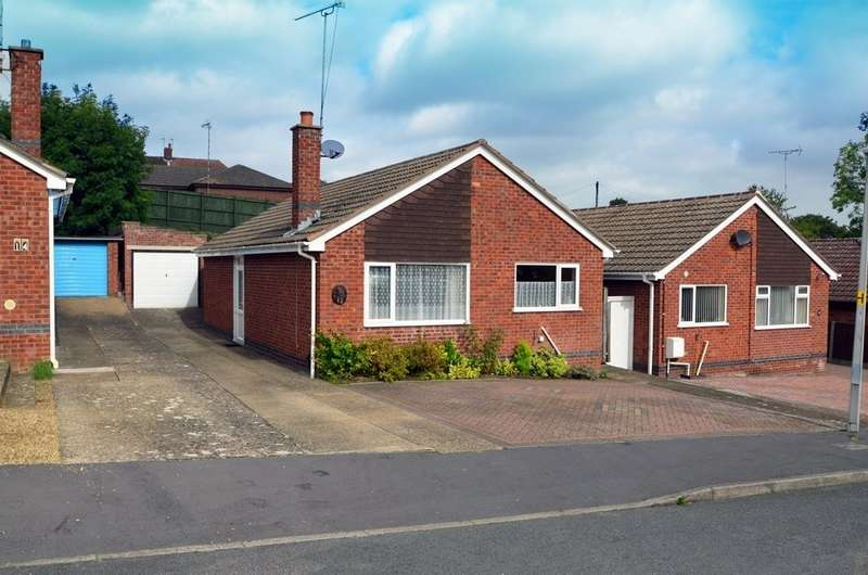 2 Bedrooms Detached Bungalow for sale in Roper Close, Hillmorton, Rugby