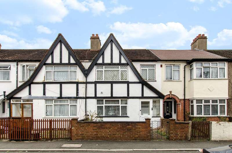 3 Bedrooms House for sale in Montrose Gardens, Mitcham, CR4