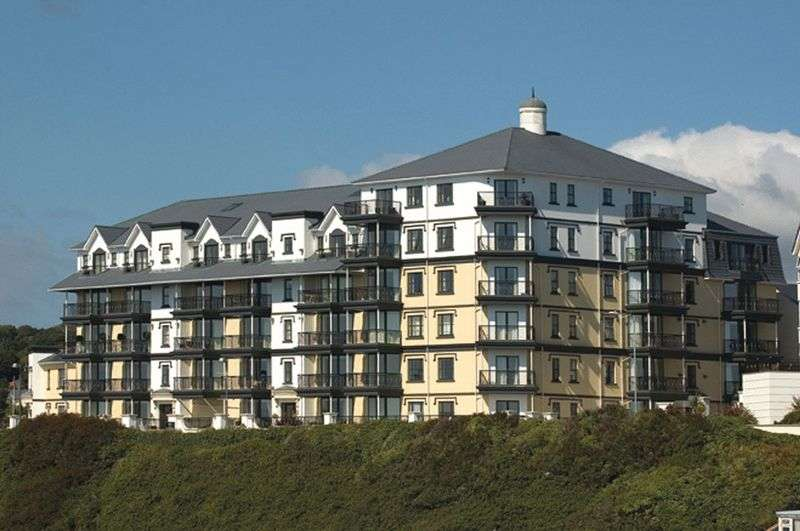 2 Bedrooms Flat for sale in 24 Kensington Place, Onchan