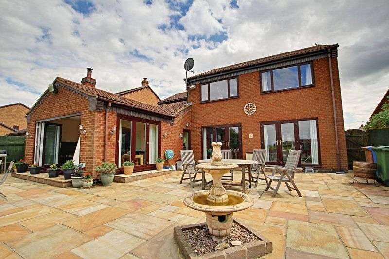 5 Bedrooms Detached House for sale in Trinity Close, Hull