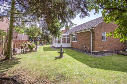4 Bedrooms Bungalow for sale in The Tofts, Wigston, Leicester, Leicestershire