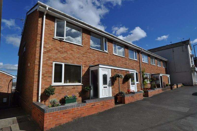 4 Bedrooms End Of Terrace House for sale in Alcester Road, Studley
