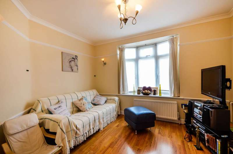 2 Bedrooms Terraced House for sale in Moorside Road, Bromley, BR1