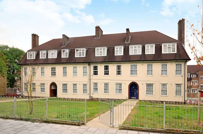 2 Bedrooms Flat for sale in Dunfield Road, Beckenham, SE6