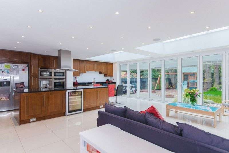 6 Bedrooms Detached House for sale in Beaconsfield