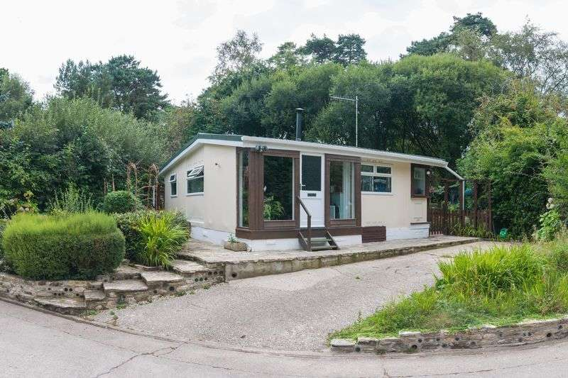 2 Bedrooms Detached Bungalow for sale in Holton Heath