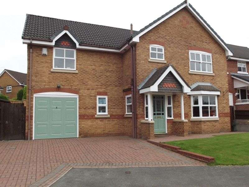 4 Bedrooms Property for sale in Briar Close, Norden, Rochdale OL12 7QD
