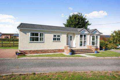 2 Bedrooms Mobile Home for sale in Helsby Park Homes, Chester Road, Frodsham, Cheshire, WA6